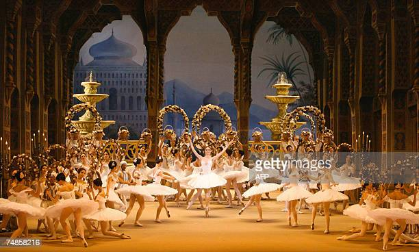 Dancers participate 19 June 2007 in a dress rehearsal of the ballet Le Corsaire by composer Adolphe Adam and directed by Alexei Ratmanski on the...