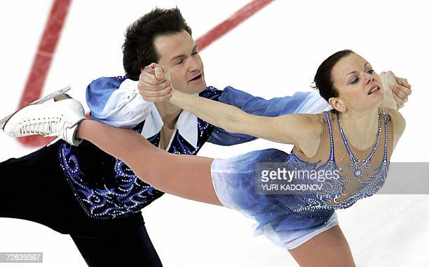 Moscow, RUSSIAN FEDERATION: Russians Maria Petrova and Alexei Tikhonov perform their pairs short program at the ISU Grand Prix of figure skating Cup...