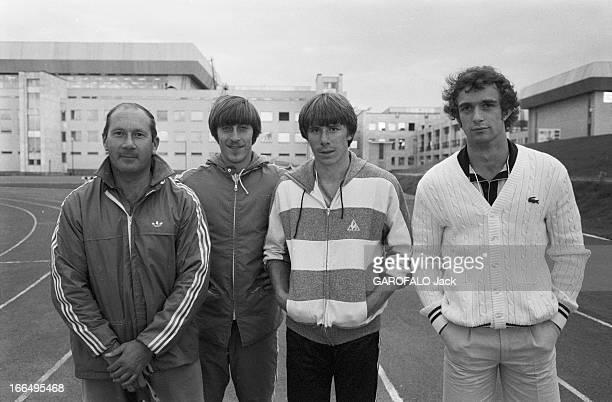 Moscow Summer Olympic Games 1980 Union Soviétique juillet 1980 les Jeux Olympiques d'été de Moscou Athlétisme les athlètes français avec leur...
