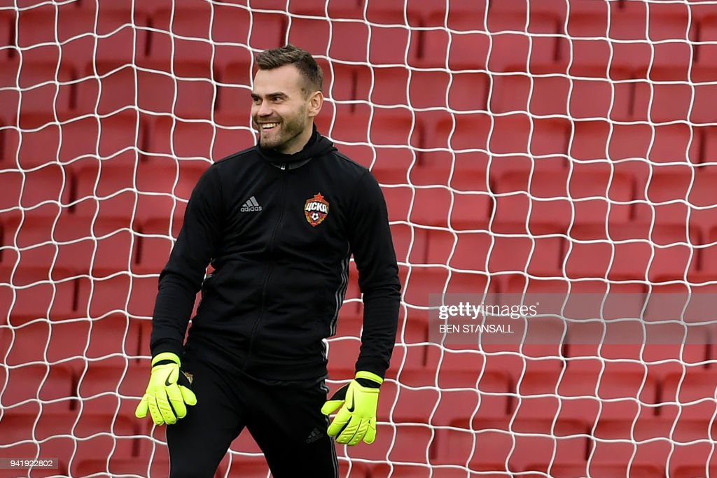 4c6890df07e FBL-EUR-C3-CSKA MOSCOW-TRAINING. CSKA Moscow s Russian goalkeeper Igor  Akinfeev attends a training session ...