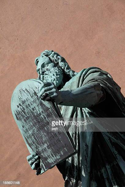 moses and the ten commandments - pejft stock pictures, royalty-free photos & images