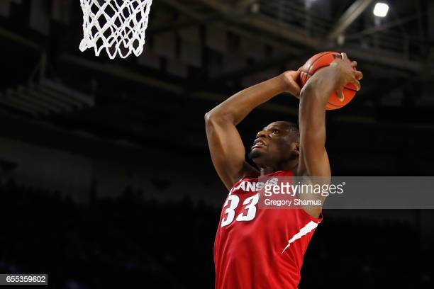 Moses Kingsley of the Arkansas Razorbacks dunks the ball in the second half against the North Carolina Tar Heels during the second round of the 2017...