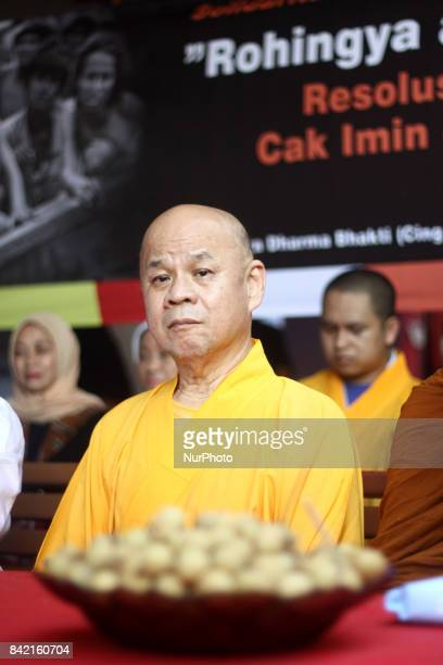 Moslem leaders represented by Muhaimin Iskandar and the Buddhist leaders represented by senior monk Suhu Benny held a meeting as a form of solidarity...