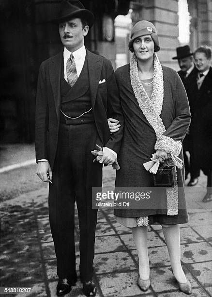 Mosley Oswald Politician Labour Party Great Britain *16111896 with wife Lady Cynthia Curzon Photographer Dephot Published by 'Tempo' Vintage property...