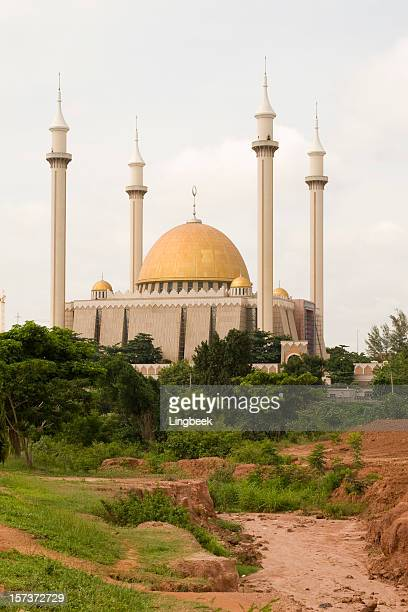 mosque in abuja - abuja stock pictures, royalty-free photos & images