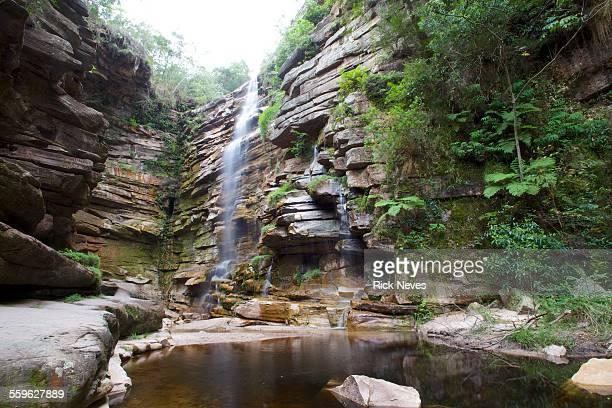 mosquito waterfall - parco nazionale di chapada diamantina foto e immagini stock