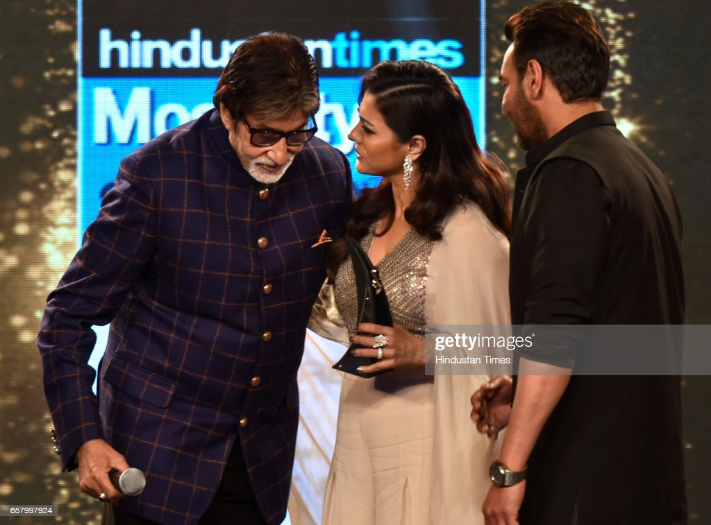 Most Stylish Power Couple Award to Ajay DevgnKajol presented by Amitabh Bachchan during the HT Mumbai`s Most Stylish Awards 2017 at Taj Lands End...