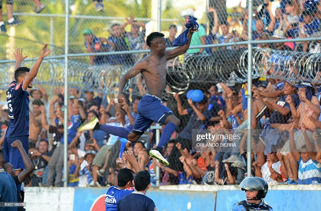 FBL-HONDURAS-MOTAGUA-PLATENSE : News Photo