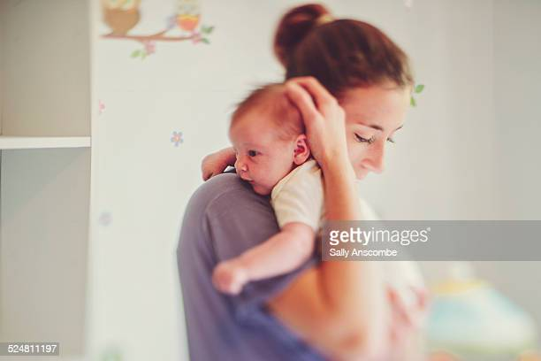 mother and baby daughter - single mother stock pictures, royalty-free photos & images