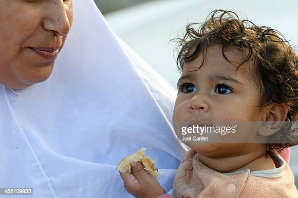 mother and child - jerusalem - palestinian stock pictures, royalty-free photos & images