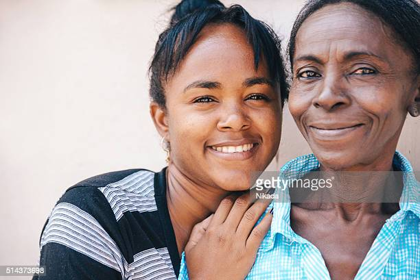 mother and daughter in cuba - caribbean culture stock pictures, royalty-free photos & images