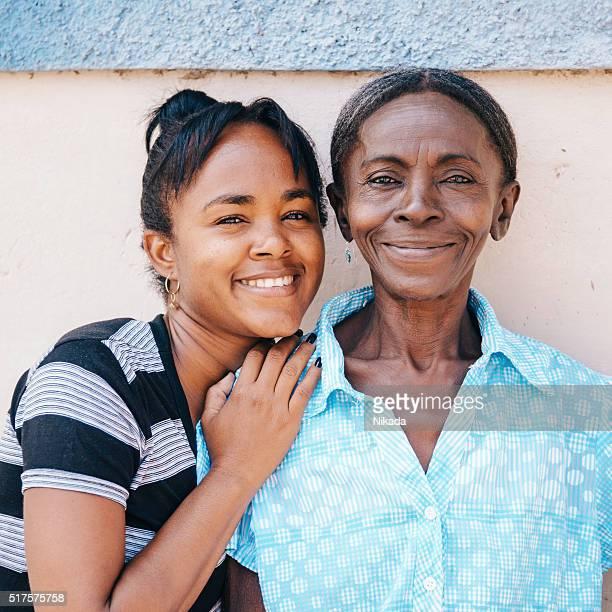 Mãe e filha em Cuba