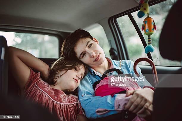 mother and daughter in the car - family inside car fotografías e imágenes de stock