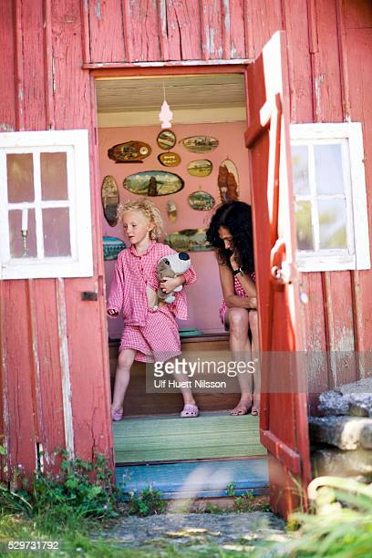 Mother and daughter on a privy Sweden