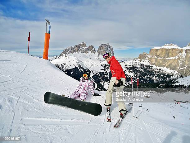 mother and daughter on the slope in canazei, italy - カナツェイ ストックフォトと画像