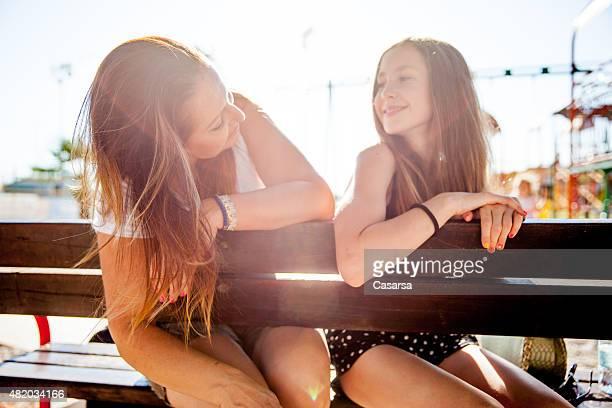 mère et fille - fille de 12 ans photos et images de collection