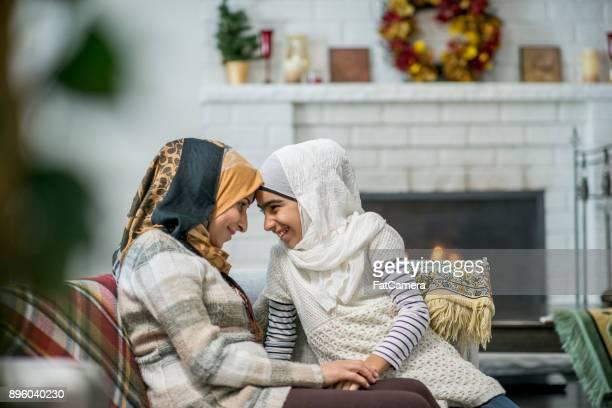 mãe e filha - pessoa desalojada - fotografias e filmes do acervo