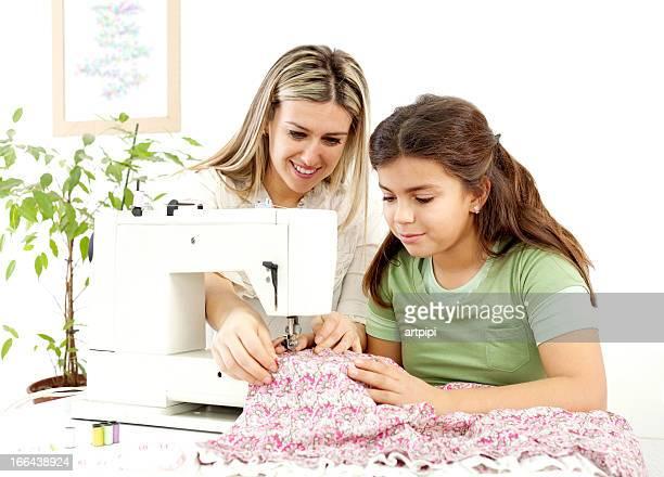 Mère et fille de couture