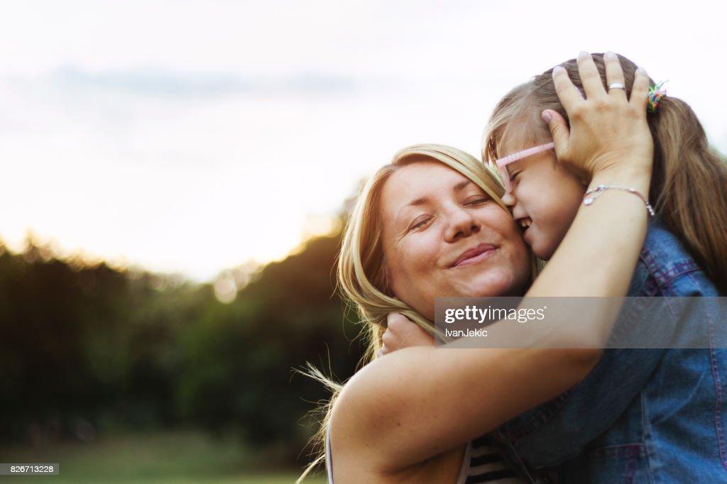 Mutter und Tochter, die bedingungslose Liebe : Stock-Foto