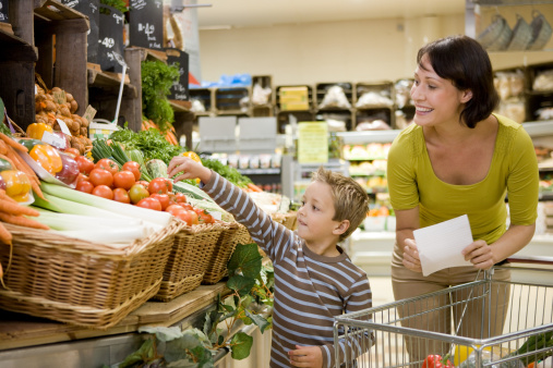 Mother and son in supermarket - gettyimageskorea