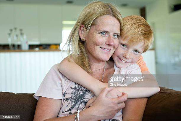 mother and son - single mother stock pictures, royalty-free photos & images