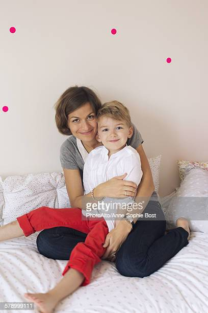 mother and son, portrait - anne sophie mutter stock-fotos und bilder