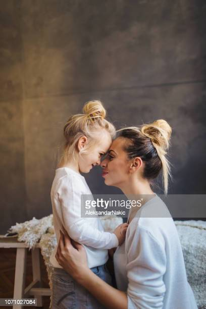 mother daughter moments - mother's day stock pictures, royalty-free photos & images