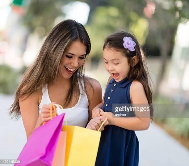 Mère surprenant sa fille