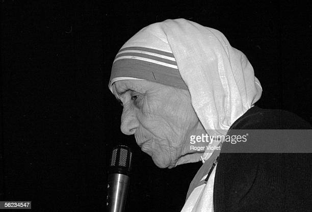 Mother Teresa a nun who spent the vast majority of her life in India Nobel prize of the peace on 1979 Paris May 12 1988