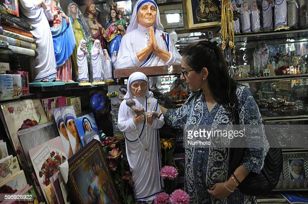 Mother Teresa Idol shale a city shop , Missionaries of Charity celebrate the 106th birthday of Mother Teresa at the Indian Missionaries of Charity...