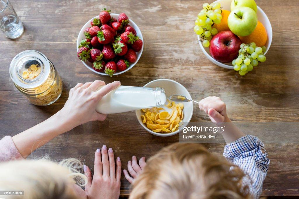美國《消費者報告》公佈15款嬰幼兒食品含有毒重金屬 多款產品本港有售!
