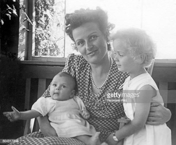 mother with her two daughters - archive stock pictures, royalty-free photos & images