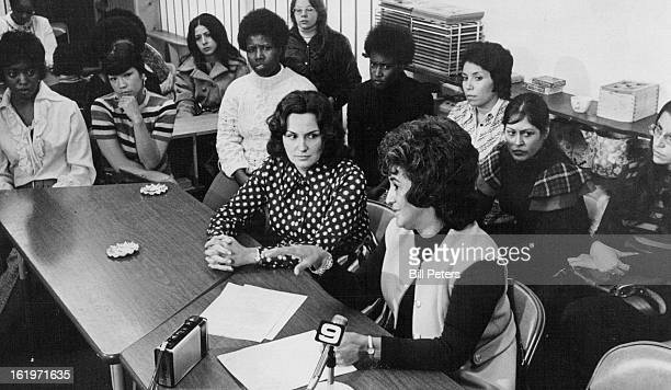 NOV 2 1973 Mothers and Daycare officials gathered Friday to discuss funding cutbacks At the table are Dr Carol Barbeitoleft of the daycare center and...