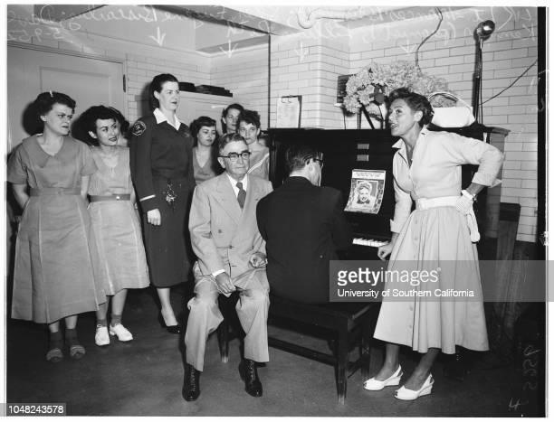 Mother's Day at county jail 9 May 1952 Lieutenant Frances O BlumfeldSheriff Eugene BiscailuzDave Kenner Lillian Roth