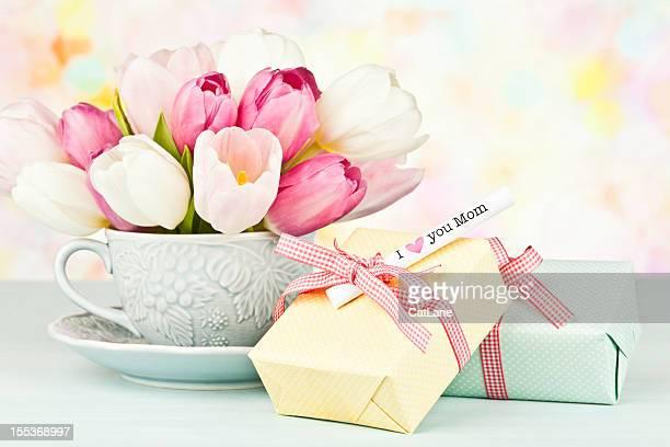 Mother's Day Bouquet und Geschenk