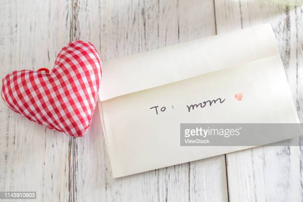 mother's day gift - mothers day card stock pictures, royalty-free photos & images
