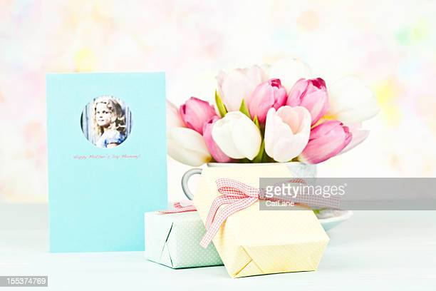 mother's day gift with greeting card from daughter - mothers day card stock pictures, royalty-free photos & images