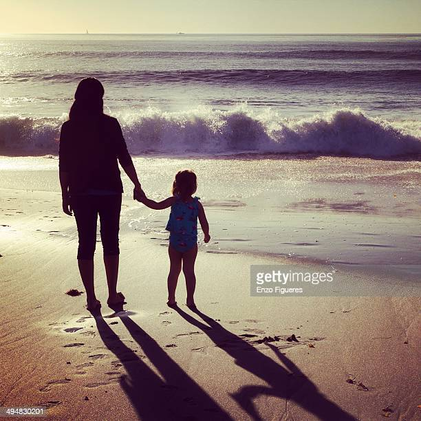 mother's day - mothers day beach stock pictures, royalty-free photos & images