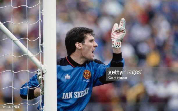 Motherwell goalkeeper Ally Maxwell organises his defensive wall during the 1991 Scottish Cup Final at Hampden Park on May 19, 1991 in Glasgow, United...