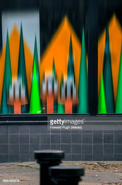 motion blurred halloween window display - limestone pavement stockfoto's en -beelden