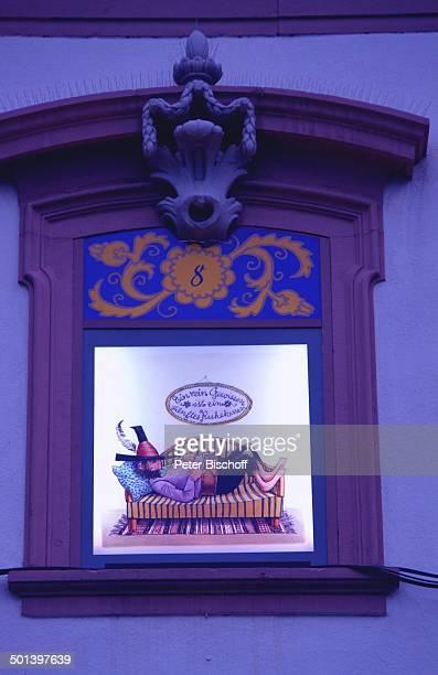 Motiv 'Räuber Hotzenplotz' 'Größter Adventskalender der Welt' am Heiligabend Rathaus von Gengenbach mit 24 beleuchteten Fenstern mit MärchenMotiven...