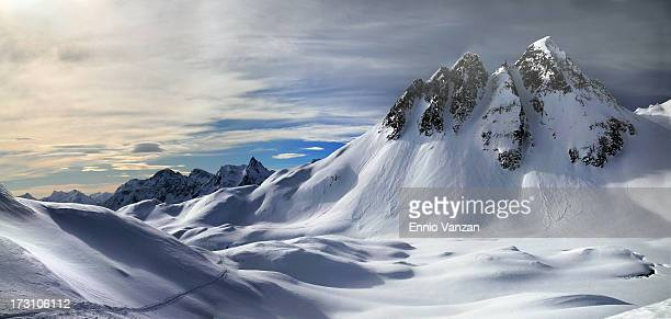 motivazioni.. - snowcapped mountain stock pictures, royalty-free photos & images
