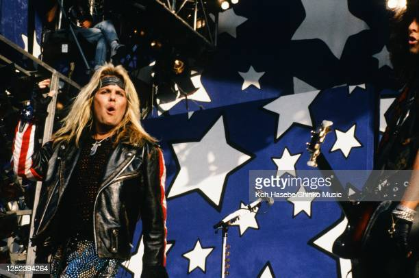 Motley Crue, live, Moscow Music Peace Festival 1989 at Luzhniki Stadium, Moscow, USSR, 12th and 13th August, 1989. Vince Neil .