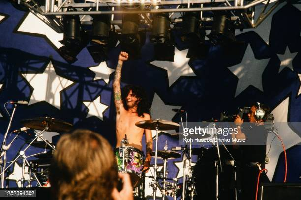 Motley Crue, live, Moscow Music Peace Festival 1989 at Luzhniki Stadium, Moscow, USSR, 12th and 13th August, 1989. Tommy Lee .