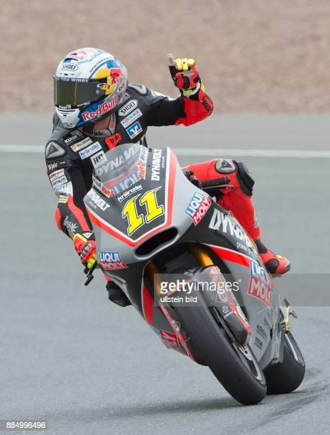 Moto2 Fahrer Sandro Cortese Deutschland Kalex vorn waehrend des Trainings beim MotoGP auf dem Sachsenring in HohensteinErnstthal Deutschland...