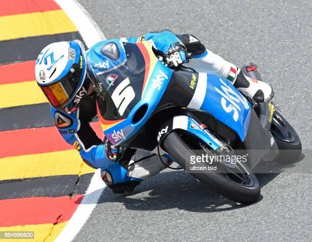 Moto3 Fahrer Romano Fenati Italien KTM waehrend der Qualifikation beim MotoGP auf dem Sachsenring in HohensteinErnstthal Deutschland Deutschland...