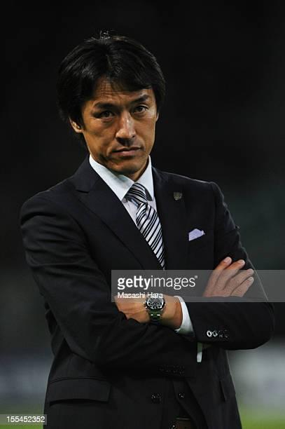 Motohiro Yamaguchi, coach of Yokohama FC looks on during the J.League second division match between Tokyo Verdy and Yokohama FC at Ajinomoto Stadium...