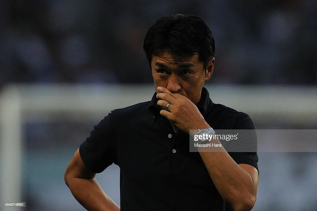 Tokyo Verdy v Yokohama FC - J.League 2 2014 : ニュース写真