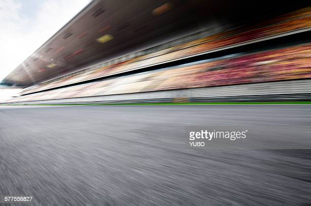 motor racing track - motor racing track stock pictures, royalty-free photos & images