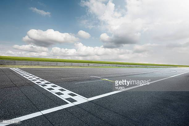 motor racing track - finish line stock pictures, royalty-free photos & images
